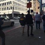 Justin Bieber passeando em San Francisco, Califórnia - 06 de Fevereiro. #VoteBeliebersUK #KCA https://t.co/QIIifsscqy
