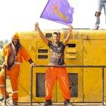 [Desde locomotora cañera]Al paso de Danilo, obreros envían un mensaje inequívoco: #AhoraPorMas #DaniloVueltaAlLago https://t.co/ISKEEarVUW
