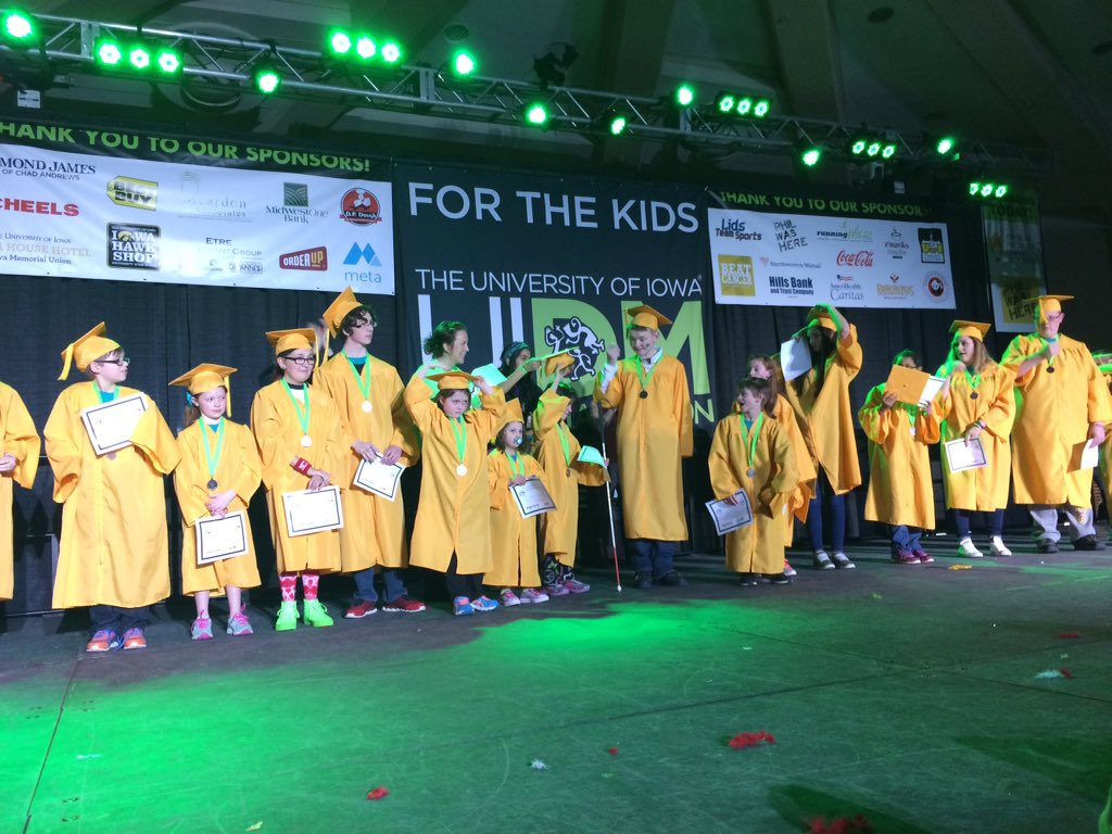 Our 17 amazing graduates finally got to move their tassels and become 5 years cancer FREE! #FTK #UIDM22 https://t.co/ciBIVCvqUF