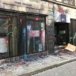 Nous exprimons notre soutien aux habitants et commerçants du CentreVille de #Rennes victimes de #dégradations #NDDL https://t.co/8WmoAeAcke