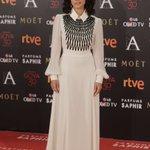 La Nominada a Mejor Actriz Protagonista por dar vida a @lanoviapelicula, @InmaCuestaWeb, en la alfombra #Goya2016 https://t.co/caCMTxSD9f
