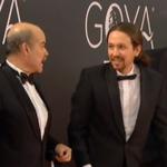 """#Goya2016 Traje de la """"gente normal"""" para el Rey, traje de la casta para los Goya. https://t.co/NBIE3MIZaj"""
