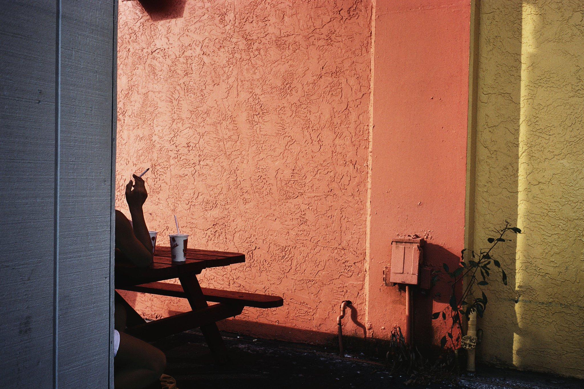 Fort Lauderdale, #Florida. USA. 2000. © #ConstantineManos/ #MagnumPhotos https://t.co/BgcJlI8OzA