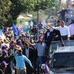 La gente quiere abrazar y tocar a su presidente @DaniloMedina . #DaniloVueltaAlLago . @ElicFernandez @FrancisBlanc https://t.co/kait29jWcN