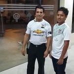 El personal del Hotel Oro Verde en Manta reciben a @LDU_Oficial vistiendo su camiseta. https://t.co/2BGvsvecrZ