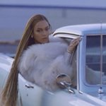 Everyone pulling up to Red Lobster tonight like... #Formation https://t.co/JHwqdmkLmQ