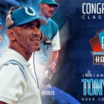 Congrats @TonyDungy! #NFLHonors #PFHOF16 https://t.co/E1yMDyjPyU