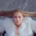 .@Beyonce drops new song #Formation with politically charged video https://t.co/TsjrgZV74X https://t.co/ZjJppHvp5M
