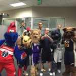 .@grizz and his friends snap ???? with @TheRyanHollins & Asst. Athletic Trainer John Faltus for his BDay! #HBDGrizz https://t.co/uxTsA24opD