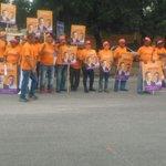 El Pdte. @DaniloMedina recibe un gran apoyo de los jóvenes del Mov. Político @DeMayoAMayo en #DaniloVueltaAlLago https://t.co/tEvjE8qb7i
