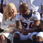 Mrs. Annabel Bowlen, wife of Owner Pat Bowlen, represented Mr. B in the Broncos Super Bowl 50 picture today. https://t.co/PpjDnD1TTW