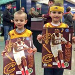 Every fan at #CavsPelicans is taking home this @KingJames @Fathead, thanks to @uakron & @LJFamFoundation! https://t.co/AwXBC9qKO8