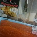 FUKK a Red Lobster come to my house I get the lobster lol @twentyonesixval @kylanalyce @ArbriOHH https://t.co/pUS4YwmB8O