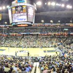 Overtime here in Memphis! Great atmosphere @memgrizz!! #memphis #GrizzNation https://t.co/e5DXlGq3LJ