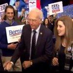 FAM ITS HAPPENING #BernieOnSNL #SNL #FeelTheBern https://t.co/v79RfSwhQu