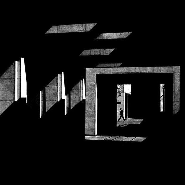 Las fotografías del libanés Serge Najjar son pura arquitectura ¿No os parece? https://t.co/WmnGg5gZlb https://t.co/P9PyZ0aPKM