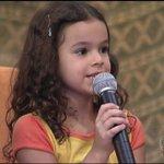 adorei essa mas o microfone é maior que ela https://t.co/PqJClOzCEt