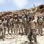 كلين يبقى في مكانه ثابت لايلتفت لإجبارهم كذابه أبطالنا في المعركة ماهابت الاف ستعشر مع الدبابه #اليمن #yemen https://t.co/X4oeyllzBJ