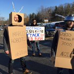"""Outside Rubios 1st NH event today, per @InesdLC: """"Marco Roboto"""" + """"Rubio Talking Point 3000,"""" from @American_Bridge https://t.co/ISqYoSg9cP"""