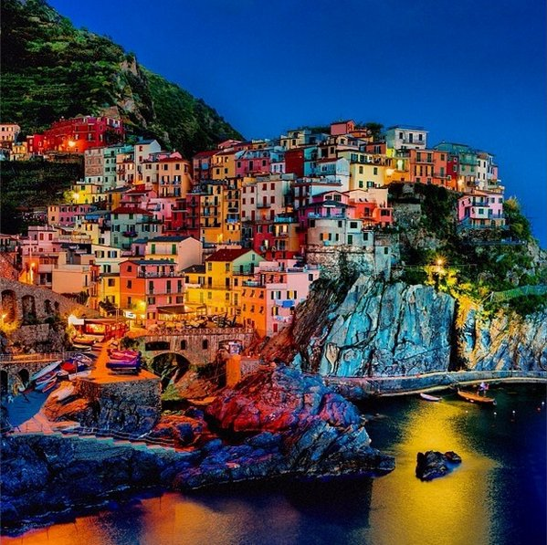 Colorful Manarola, Italy | Photography by ©Gehring Janos https://t.co/Y6DhoSepy5