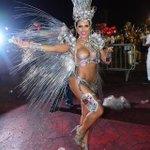 #Carnaval2016 Quem acha que Ana Paula Minerato arrasou no desfile da Gaviões? Representou! ???????? https://t.co/nbnqqhyHQf