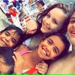 #Carnaval2016 O casal Mirim, Larissa Manoela e João Gui, aproveitam a folga do feriadão para ir à praia juntinhos ???? https://t.co/z19ZCWJYpo
