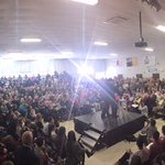 700 #fitn inside before the Fire Marshall capped us, 100 in overflow to see @marcorubio in Bedford #Marcomentum https://t.co/G2umknRmLp