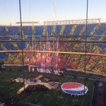 NFL getting fan cooperation for this halftime show. https://t.co/QiFy6Mwfac