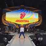 Recorriendo el escenario para el show de hoy. ¡No puedo esperar a verlos, Argentina! #StonesArgentina https://t.co/GhOYp7Hlrn