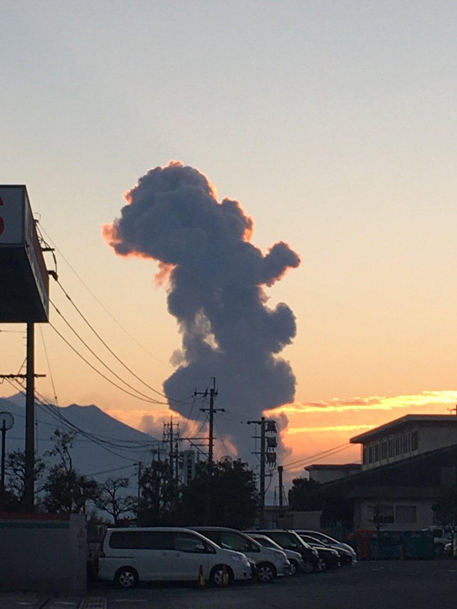 桜島が噴火したぞ! この世の終わりだ! https://t.co/YVcjQbLeNX