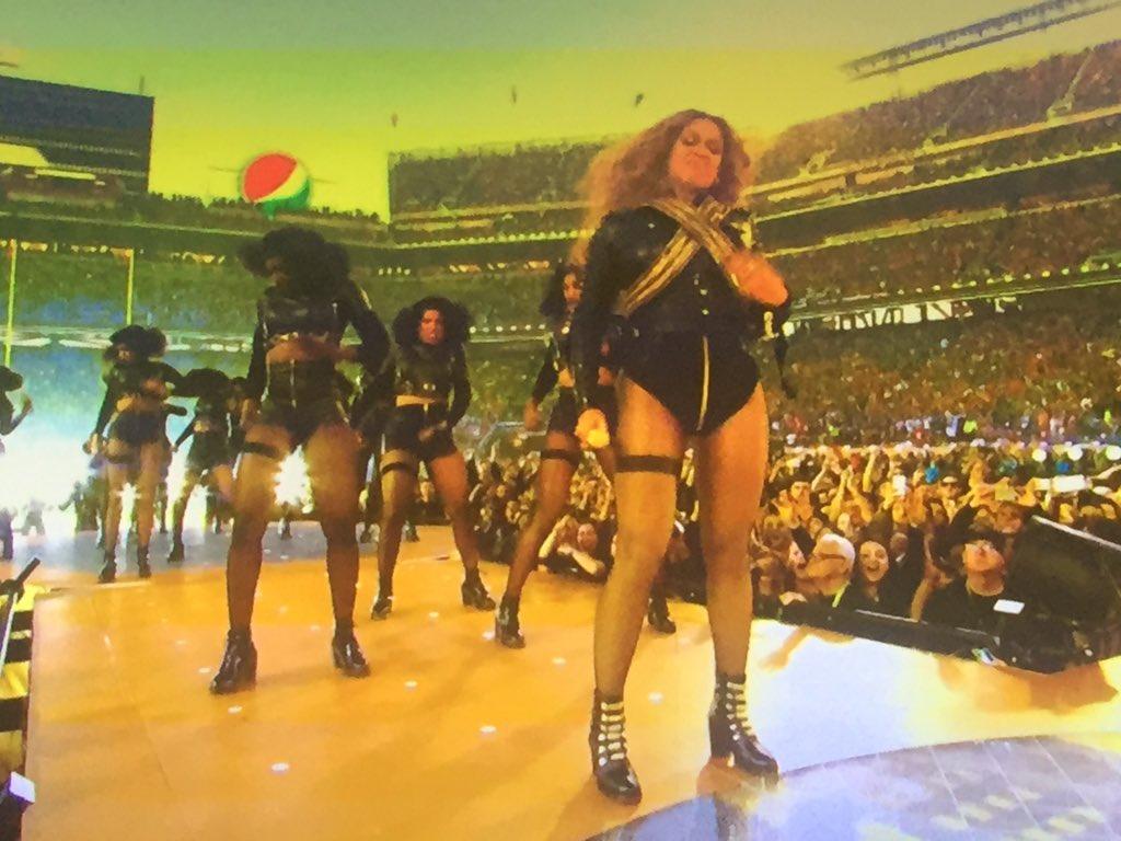 Peyton WHO? This is the #beyoncebowl #SB50 @Beyonce https://t.co/JkZMUjkG9l