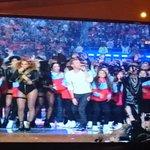 Bruno Mars, Beyonce y Coldplay en el escenario del #SuperBowl https://t.co/g2eDNhqadr