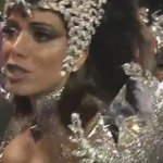 Tumulto em torno de Anitta e Claudia Leitte gera incômodo na #Mocidade https://t.co/47voYxYaiX #Globeleza #G1 https://t.co/kVTI30qIWa