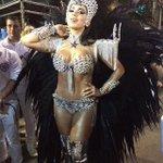 Postando essa foto da botafoguense Anitta... (Arranjando desculpas pra postar foto das gostosas do carnaval) https://t.co/08le8YabAp