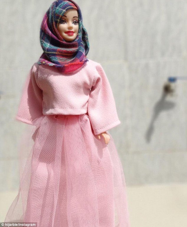 Barbie's latest makeover sees her in a headscarf and high-fashion modest dress https://t.co/5aYX8SYh01
