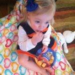She loves the commercials.. #superbowl50 #gobroncos https://t.co/7nBKlMw5vY