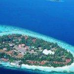 Regram from @cedric.lovenature - View from plane part 3 ????????✨ Location: kurumba Island, Maldives #nature #instanatu… https://t.co/ZfbL431X8o