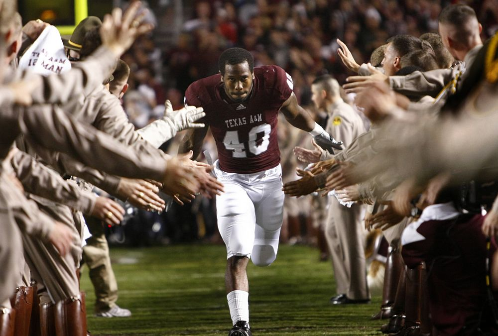 Y'all remember this Von Miller? #GigEm #MVP!! https://t.co/gS7ce2Tl61