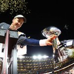 Peyton Manning is handed the Vince Lombardi Super Bowl trophy after winning #SB50. https://t.co/5uiweqa2lq https://t.co/pjfFKyuFIN