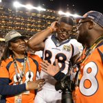 Demaryius Thomas mother was in prison 6 months ago & had never seen her son play. Now, she celebrates a Super Bowl. https://t.co/XaEBdUuulR