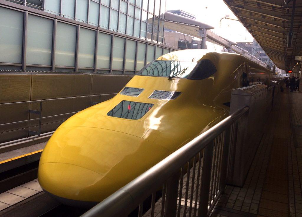 東京駅で、ドクターイエローと遭遇!! https://t.co/xsDLB5cE9Q
