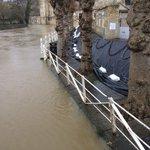 Flood barrier braced in nervous Bradford-on-Avon #StormImogen @benpratershow @BBCWiltshire https://t.co/vfROypEmhS