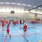 De zaal kleurt rood bij groep twee van de korfbalsportdag! @HuisvoordeSport @Bslim050 @rog_korfbal https://t.co/qwuXI6ZlnI