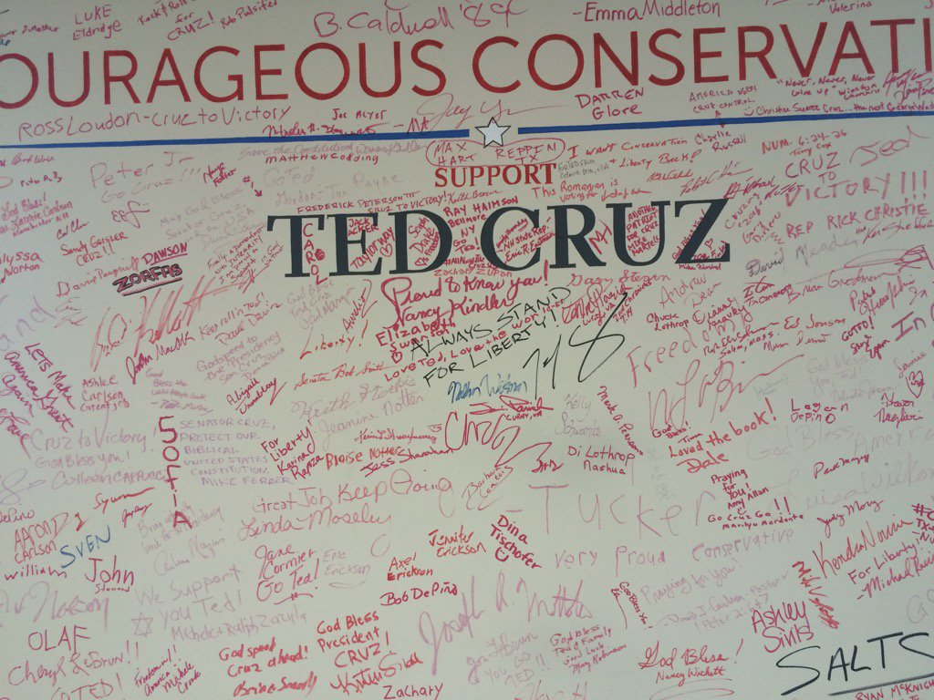 This is the wall volunteers sign at Ted Cruz Headquarters in NH @NBCDFW #Decision2016 https://t.co/mDzpARPa4U