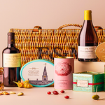 Ive just RTd #WinaHamper to win this Fab @fortnums Hamper on 28 March! https://t.co/XpLw2JNB3K for more details https://t.co/ml3MBNo3Mc