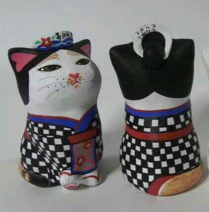 【お願い】本日2/8午前中、大島元町港の当社カウンターで島民や観光客の皆様に親しまれていた「あんこ猫」が持ち去られてしまいました。大変残念に思っています。お心当たりのある方はお返し頂けますよう、お願いいたします。 https://t.co/O0h8KmmEtX