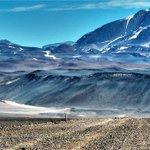 Un lado del Volcán #OjosDelSalado, el más alto del mundo, queda en #Chile. RT si te gustaría visitarlo. https://t.co/kJWL2oCOZD