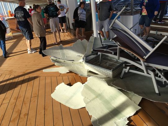 Four passengers injured on #AnthemoftheSeas after run-in with monster storm: https://t.co/Tbl38wFZaZ https://t.co/F3L8YW6Q5N