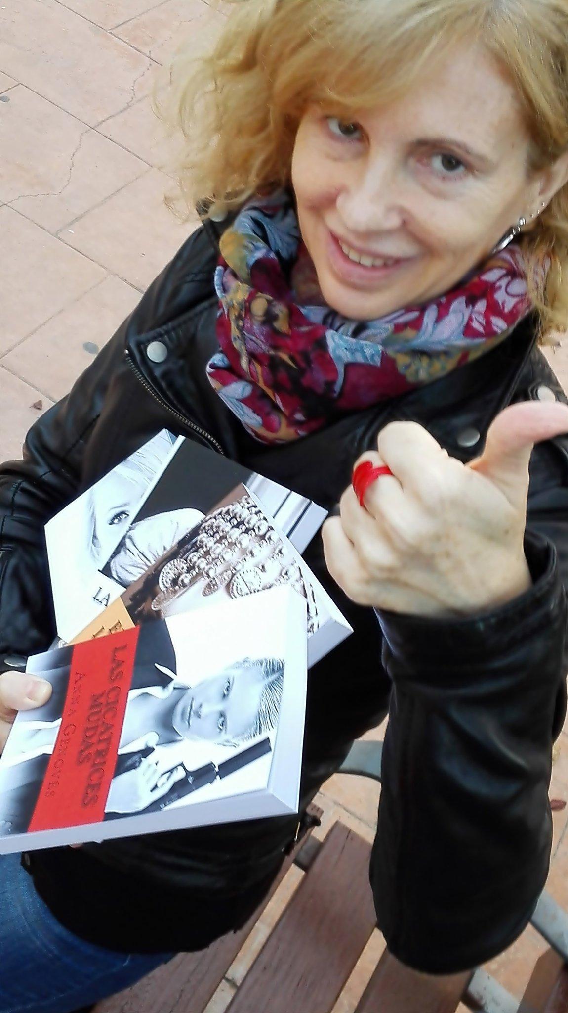 Entrevista Anna Genovés sb las 20:20h LA HORA ROMÁNTICA de Cecilia Pérez - Divin@s Lectoras https://t.co/kGj3Fk6phf https://t.co/3aW93TPsfE