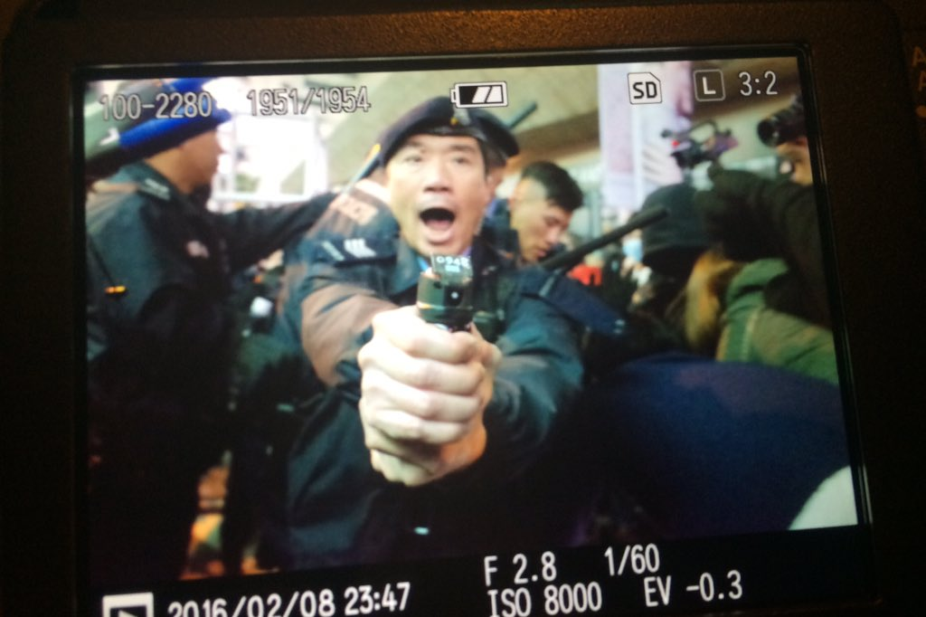 Happy new year at Mong Kok clashes between localists and police due to hawker policies (yes I got shot.) https://t.co/vsDffZqVYt